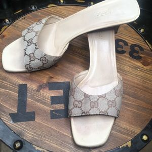 Gucci mule heel slide size 9 classic monogram